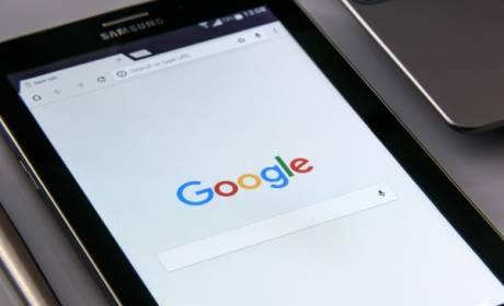 EÚ udelila Google pokutu 4,34 miliardy! Zneužíval dominantné postavenie na trhu.