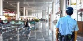 Chceli ísť na dovolenku, polícia ich zastavila na letisku