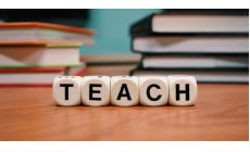 Smernica Únie o nekalých podmienkach v spotrebiteľských zmluvách sa môže uplatniť na vzdelávacie zariadenie