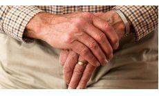 Dôchodkový vek ako dôvod skončenia pracovného pomeru? Nárok na odchodné pre zamestnanca