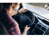 Čo so spomaleným vodičom v ľavom jazdnom pruhu? Je takáto jazda v súlade so zákonom?