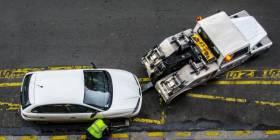 Mestský policajt a odťah vozidla
